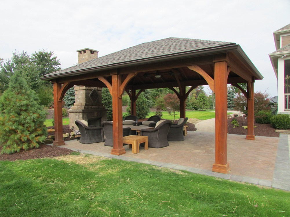 Pavers landscapes rock bottom landscaping strongsville for Outdoor structures